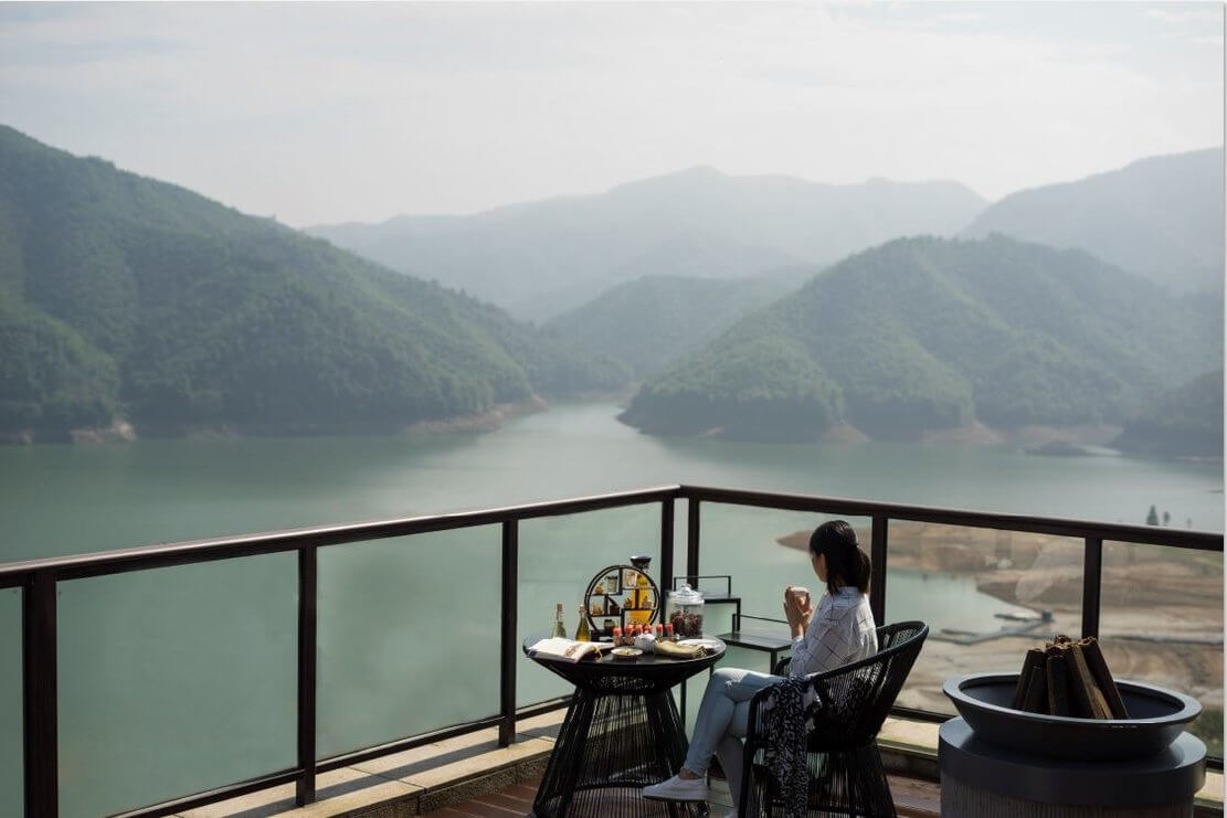 享受浙江阿丽拉安吉的风景