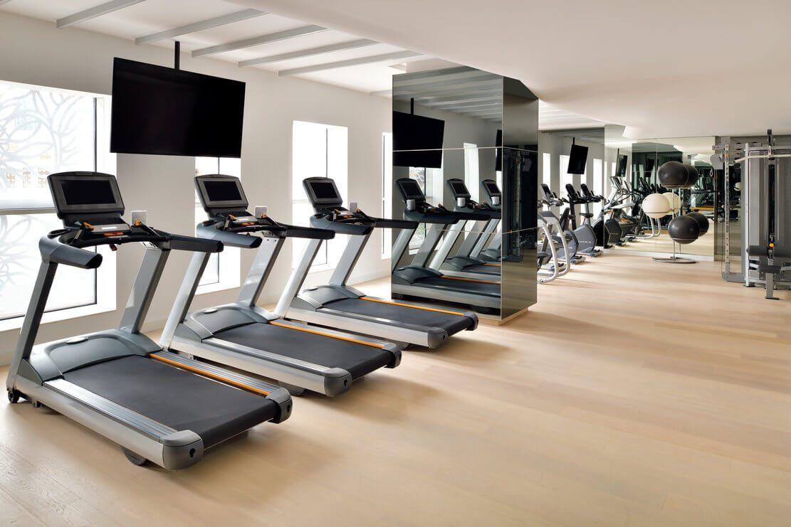 迪拜码头皇冠酒店健身房