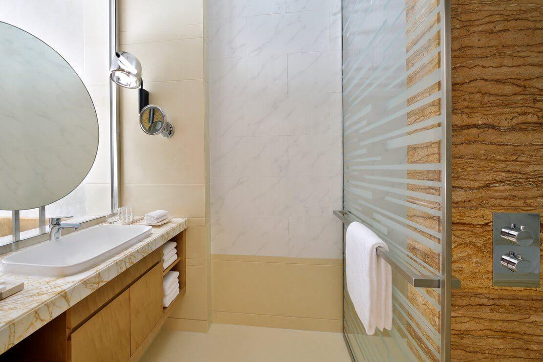 迪拜码头皇冠酒店客房浴室
