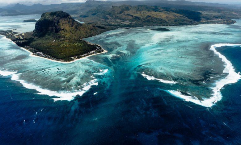 Photo of 世界旅游趣 鬼斧神工的海底瀑布